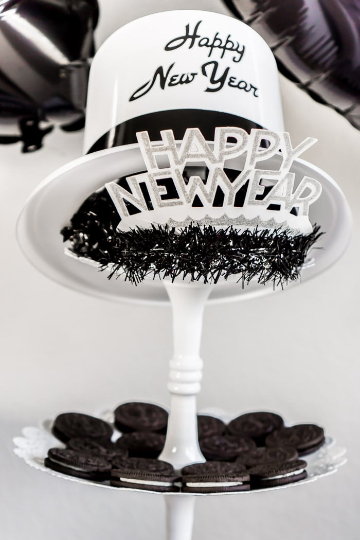 great black and white new years eve party ideas