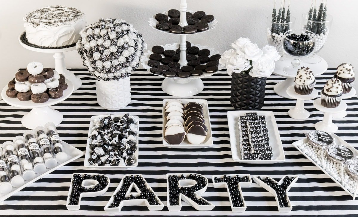 A great black and white party table