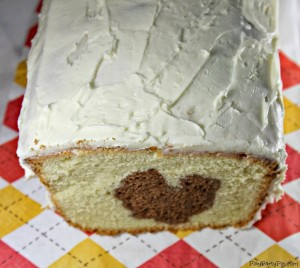 Stuffed Turkey Peek-A-Boo Cake from playpartypin.com #poundcake #Thanksgiving #baking