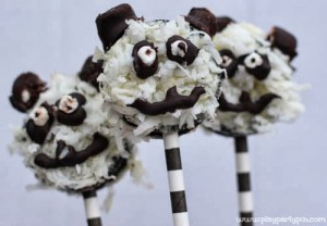 Panda cookies on sticks