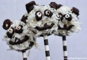 Panda cookies on sticks