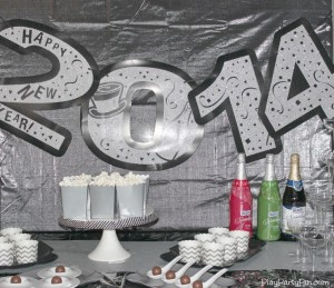 2013 New Year's Eve Party Games and Ideas from playpartyplan.com #NewYearsEve #Games #Party