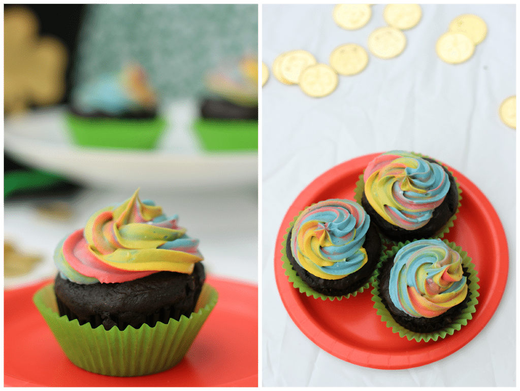Rainbow frosting tutorial and awesome St. Patrick's Day cupcakes from playpartyplan.com #recipes #cupcakes #frosting #tutorial