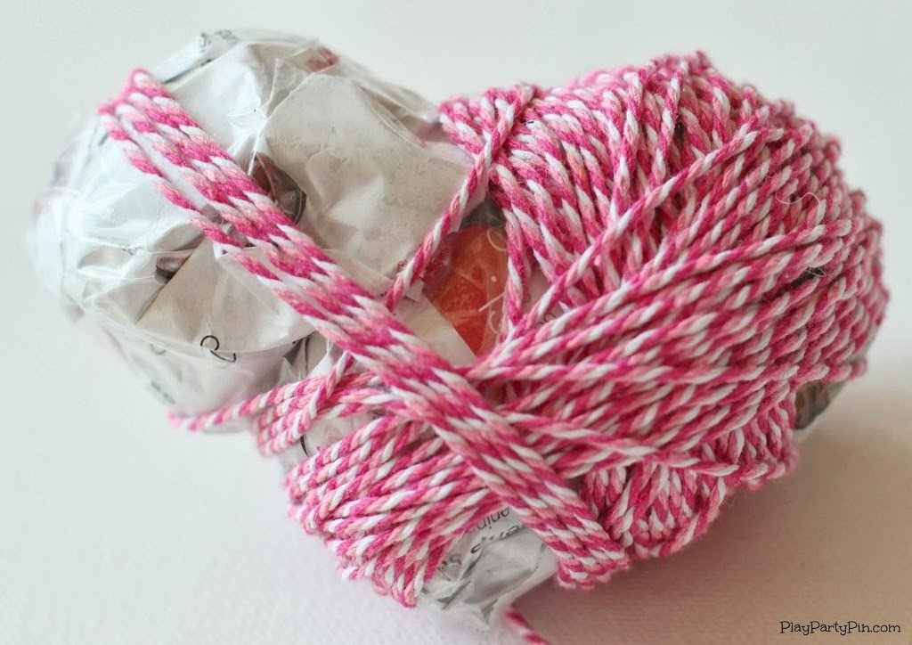 Easy DIY baking twine hearts from playpartypin.com #crafts #tutorial #ValentinesDay