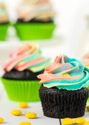 Frosted St Patrick's Day cupcakes