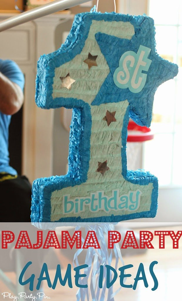 Love all of these ideas for a fun pajama party or family pajama night from playpartyplan.com #parties #pajamas #games