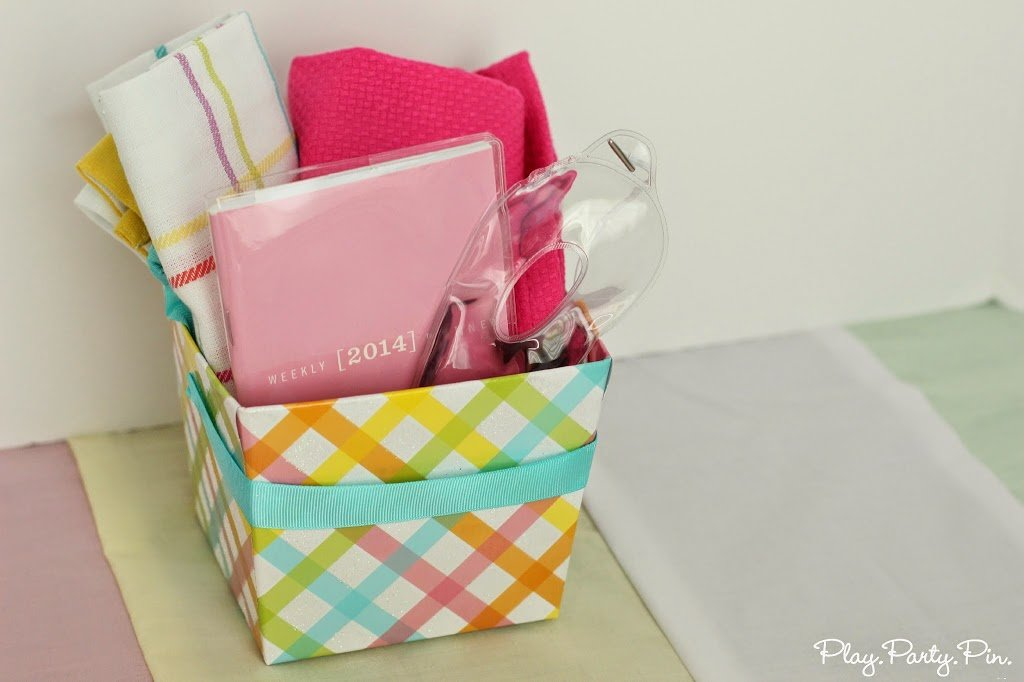 Baby shower gift basket ideas from playpartyplan.com #babyshower #gifts #giftbasket