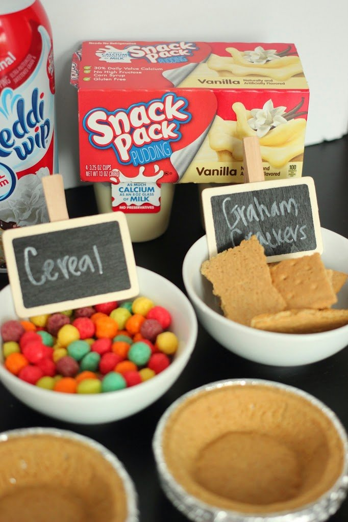 Make your own mini pie bar idea using Snack Pack pudding cups from playpartyplan.com