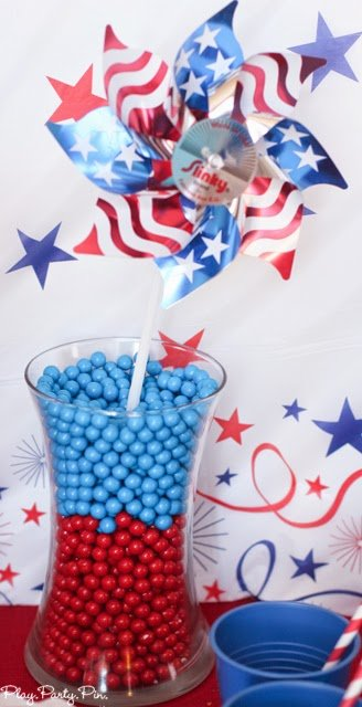 Easy 4th of July party ideas on a budget from playpartyplan.com