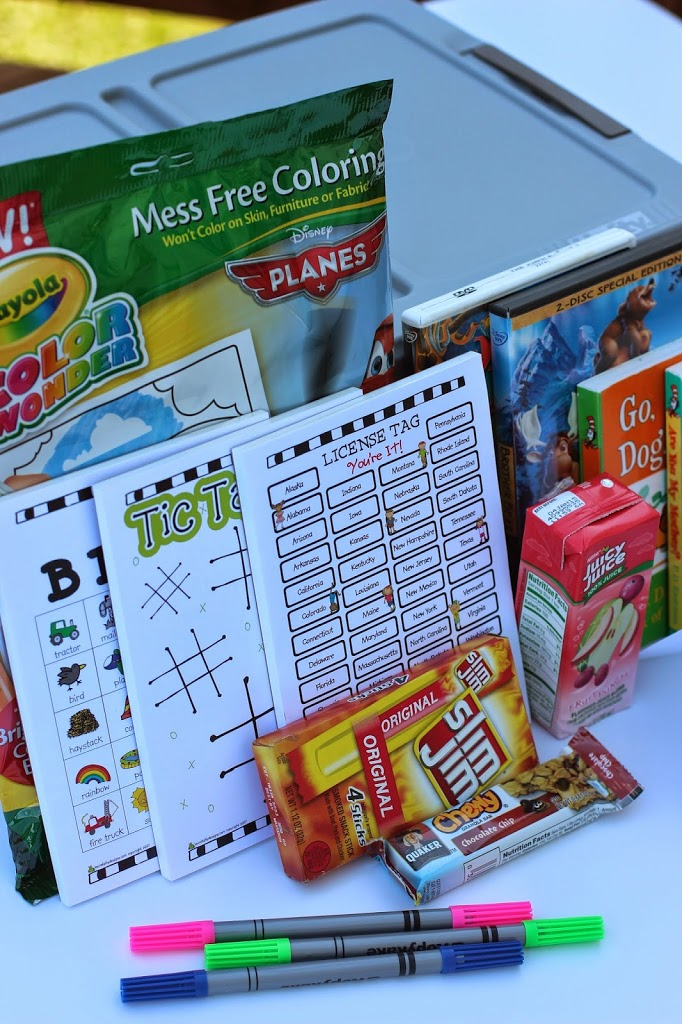 Fun idea for a road trip bucket to keep in the car complete with auto bingo from playpartyplan.com