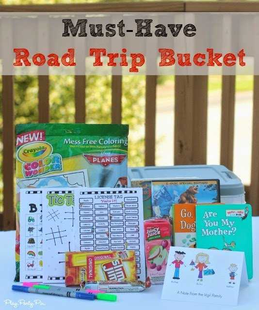Fun idea for a road trip bucket to keep in the car complete with auto bingo from playpartypin.com