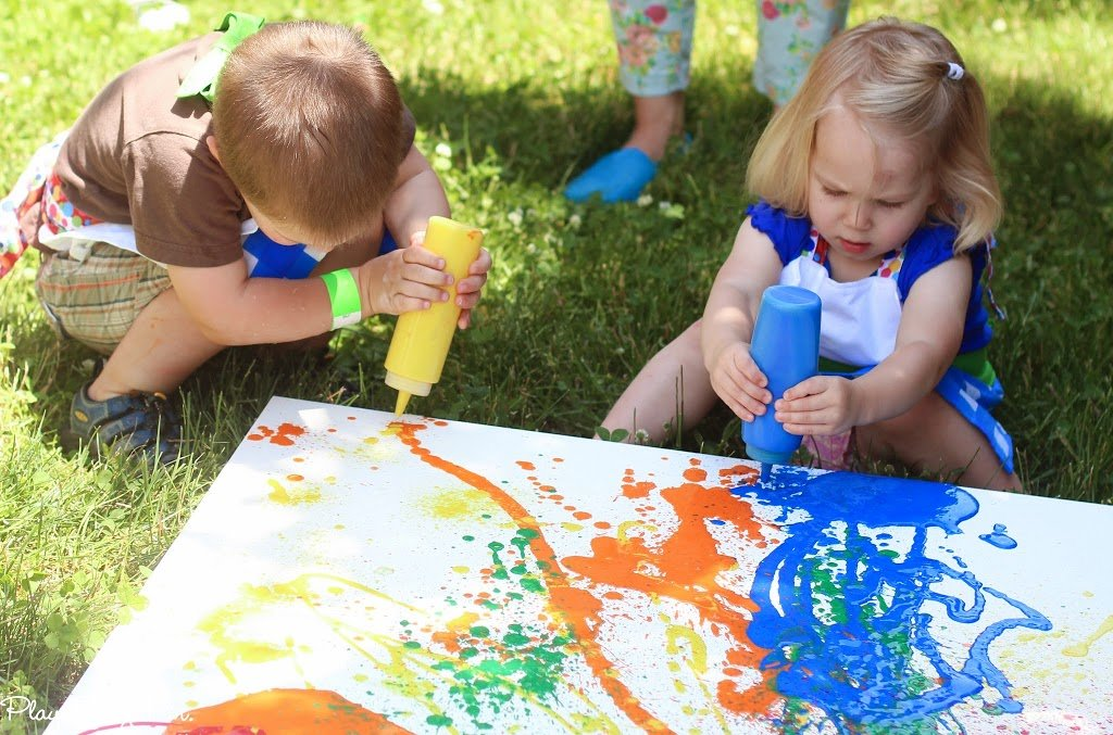 Fill squeeze bottles with washable paint and let kids make their own splatter painting, perfect for an art party