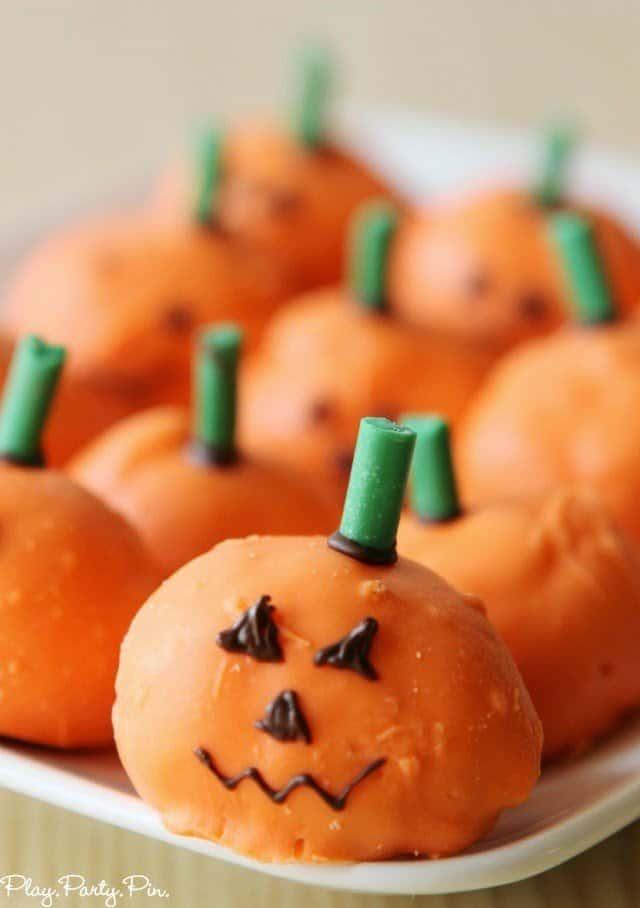 Easy cream puff pumpkins from playpartyplan.com