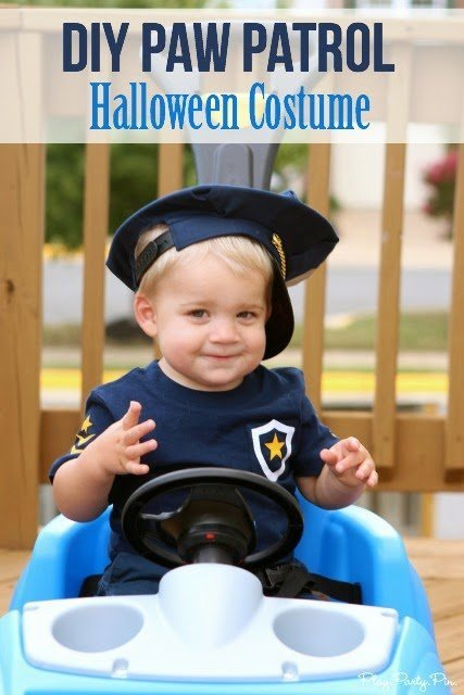 Love this DIY Paw Patrol Halloween costume from playpartyplan.com, such a clever way to make the ears and tail