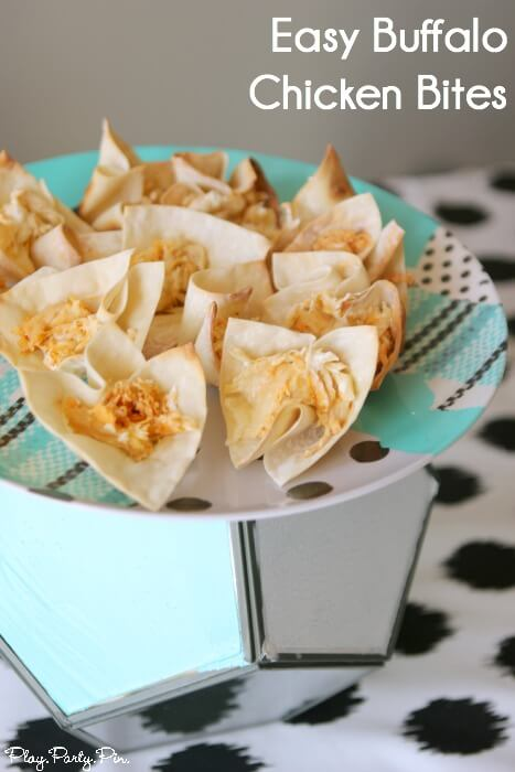 The best buffalo chicken dip wrapped in crispy wonton shells makes the perfect party food, great idea from playpartyplan.com