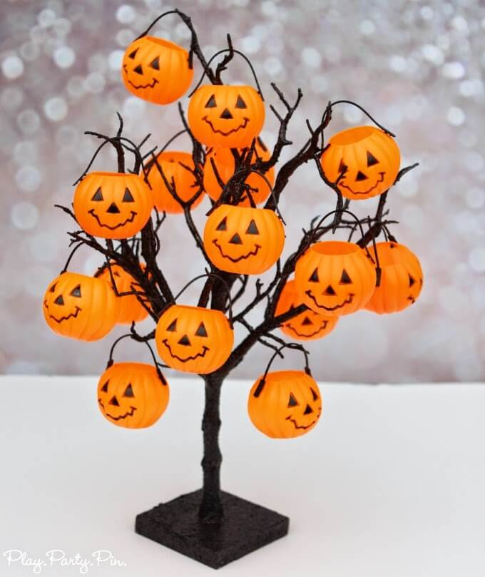 Trick or Treat tree and other Halloween party ideas