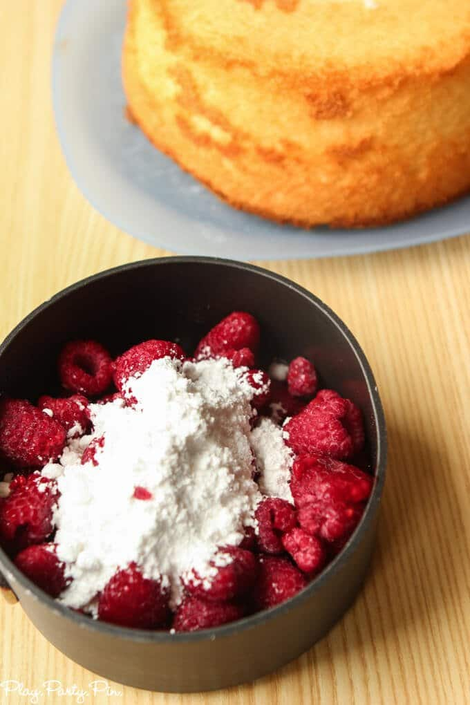 Super quick and easy raspberry sauce that is so yummy when you put it on top of angel food cake