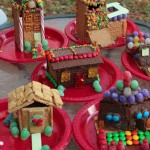 Such fun ideas for hosting a graham cracker house decorating party from playpartypin.com