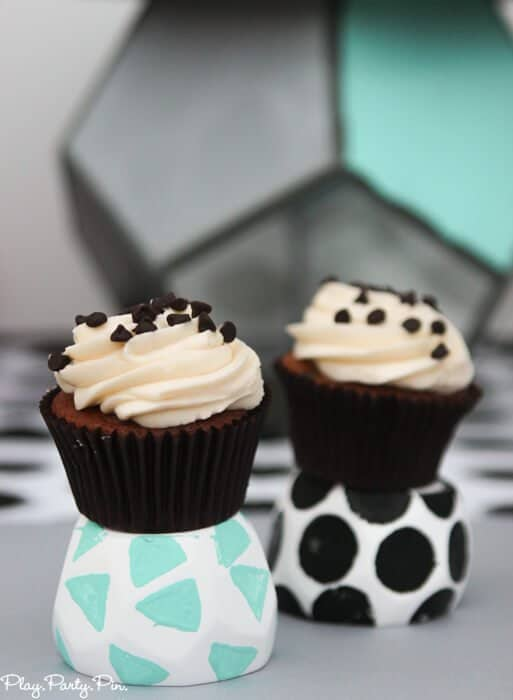Geometric shelves and cupcake stands, great geometric party ideas