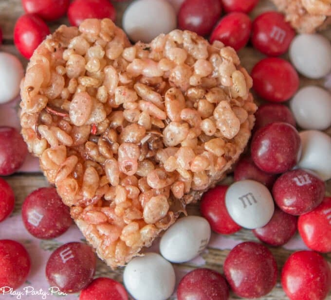 Red Velvet Valentine's Day rice krispy treats from www.playpartyplan.com