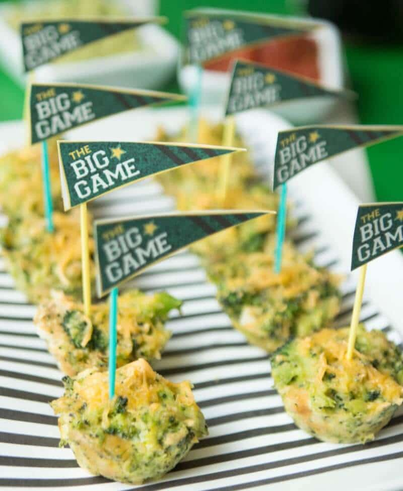 These broccoli cheese bites are great quick and easy appetizers, a great healthy option for a brunch or party from www.playpartypin.com