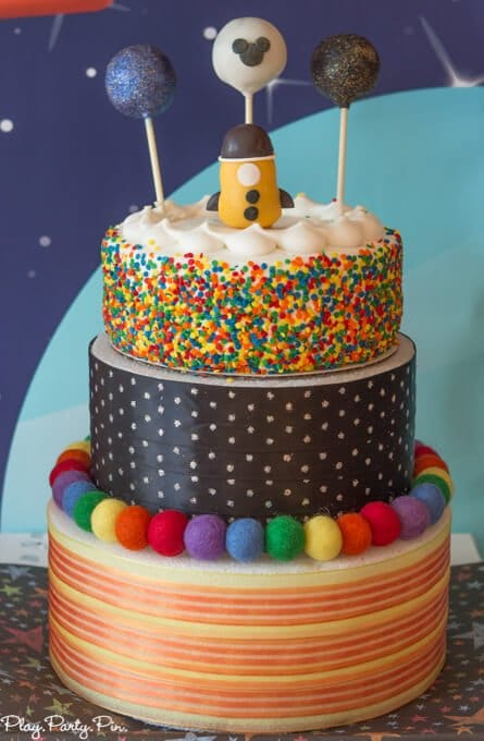 Disney imagicademy outer space party ideas for Outer space cake design