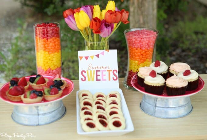 Simple summer dessert table and other great summer party ideas, absolutely love using the windchime as a party backdrop!