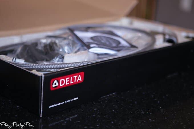 delta-faucet-box (1 of 1)