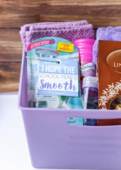 What cute back to college gift ideas! I love the free printable hope your year is smooth printable gift tags!