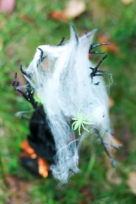 Spider themed Halloween games for a carnival