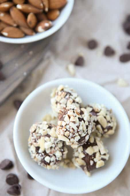 These chocolate almond truffles are the perfect blend of chocolate and almond flavor! And they're a great dairy-free and gluten-free dessert that's actually yummy. I can't wait to try these!