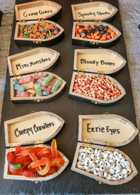 halloween-party-ideas-dig-dessert-grave (17 of 34)