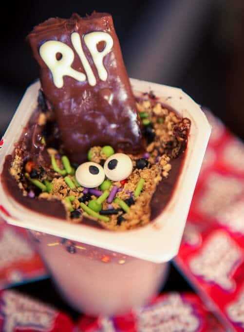 halloween-party-ideas-dig-dessert-grave (34 of 34)