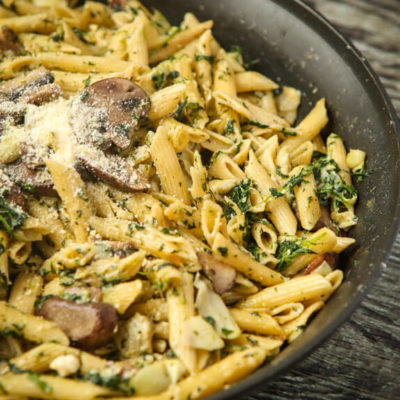 One-Pan Spinach and Artichoke Pasta Recipe
