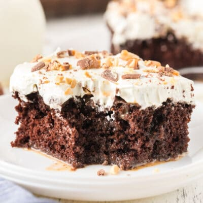Easy Chocolate Snickers Poke Cake