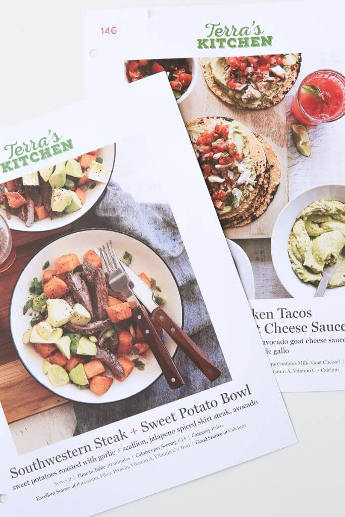 This is the best meal delivery service ever, definitely one of the best meal-kit deliveries I've ever tried! Great info about the service and why it's better than the other options!