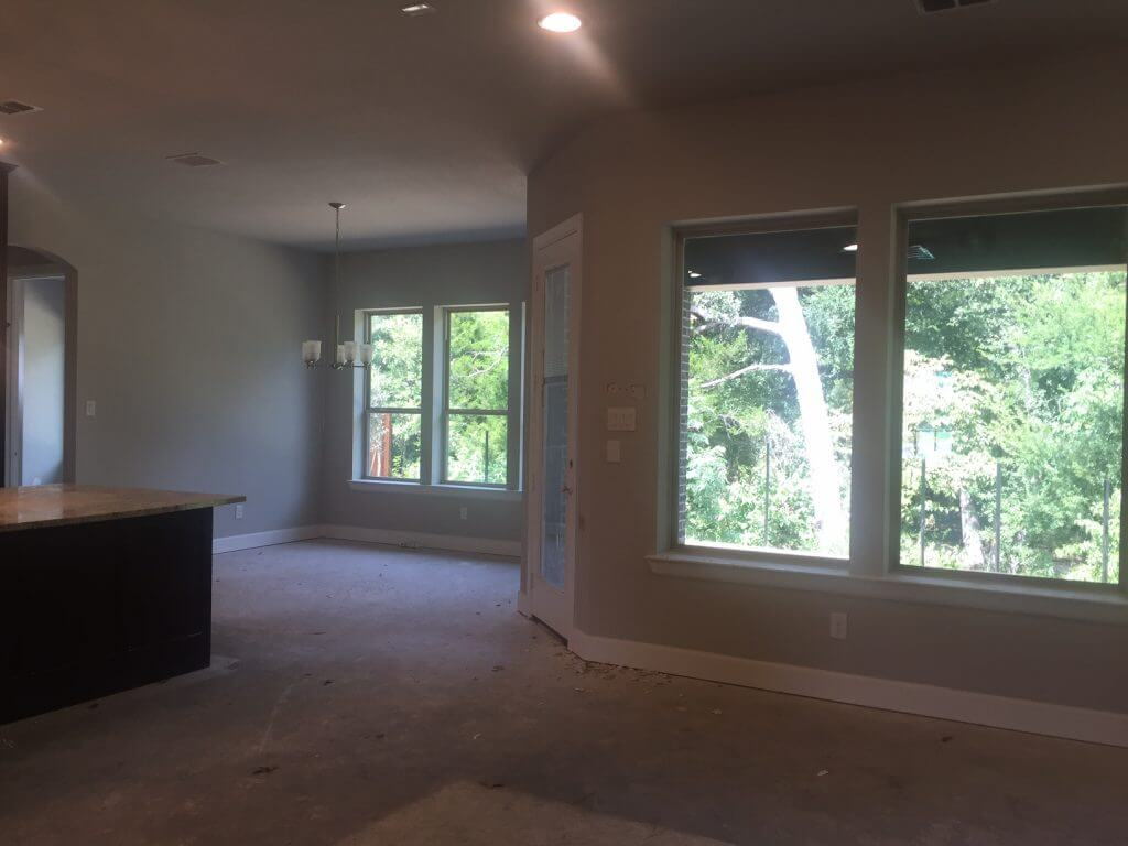 Living/breakfast nook area