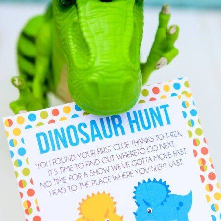 This free printable dinosaur hunt is perfect for a dinosaur birthday theme, a dinosaur party, or just to play with boys who love dinosaurs! Definitely one of the best dinosaur games or activities I've seen, and I know my son would love these ideas! Pair it with dinosaur decorations, food, and other ideas like watching LEGO Jurassic World, for the best dinosaur party ever!