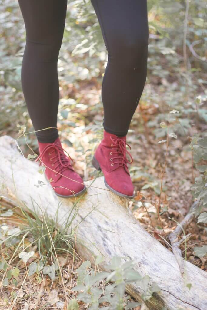The perfect pair of red boots that every woman needs for fall 2016. They're great ankle boots with no heels and work in the rain, in the winter, and with pretty much any type of neutral outfit. I never thought learning how to wear wine colored boots would be this easy. Definitely a must-have pair of women's fall boots. And I can't believe that you can get them for so cheap!