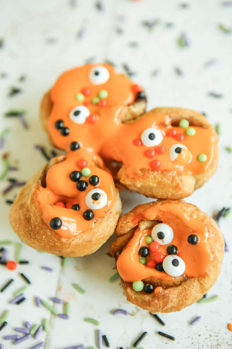 Monster cinnamon rolls and other Halloween party ideas
