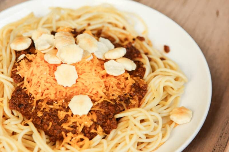 This paleo Cincinnati chili recipe is a healthier alternative to your standard Skyline chili. It's the best make at home Cincinnati chili recipe I've ever tried! A great option to add to your menu plan for 2017!