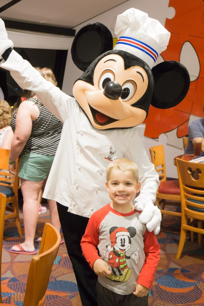 Insider secrets for Disney character dining