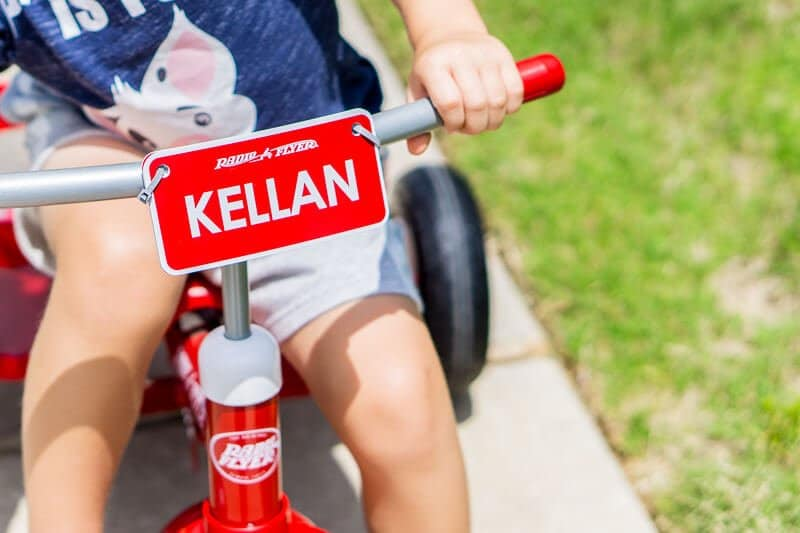Personalize your own trike on the Radio Flyer build-a-trike page