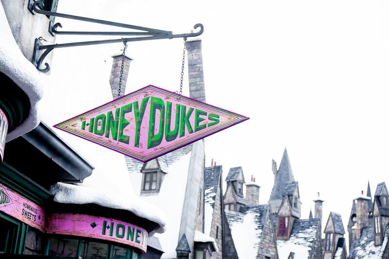 Honey Dukes in Universal Studios Harry Potter land is magical