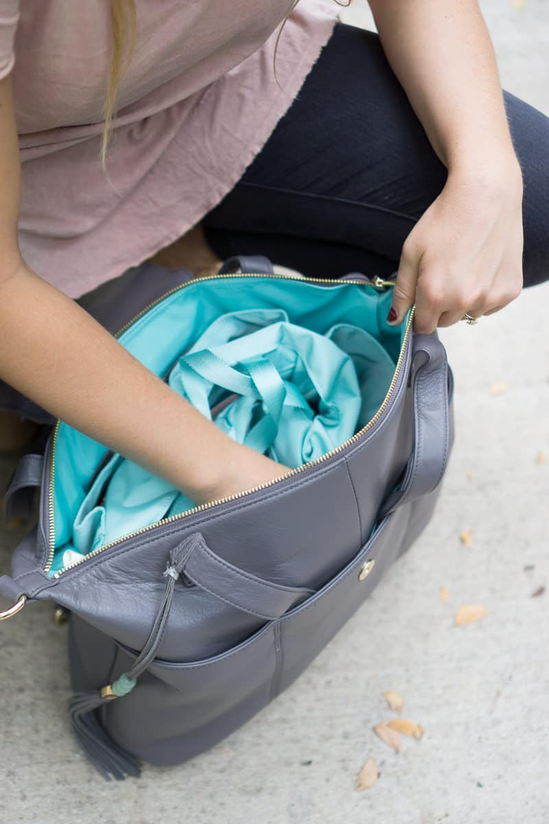 Need a good travel bag? The linen insert in the Lily Jade diaper bag makes it great!