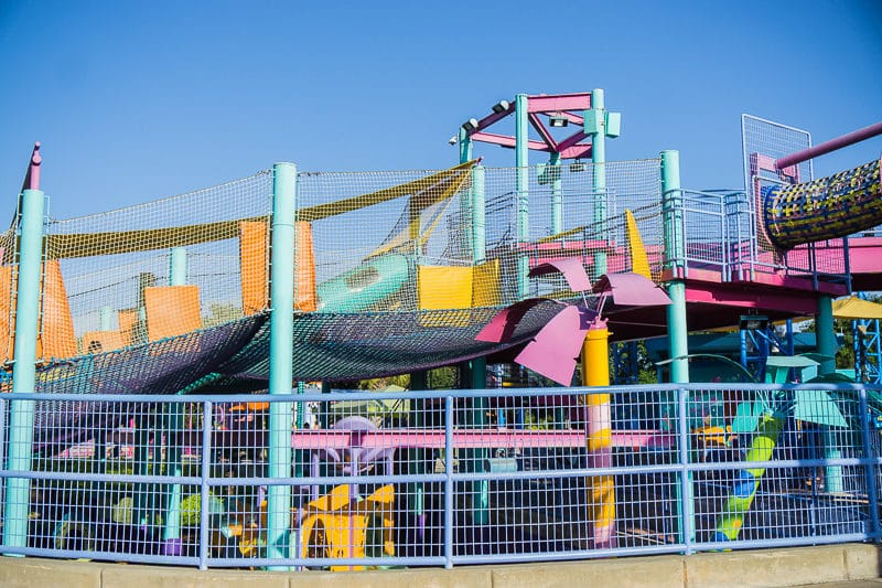 The SeaWorld Bay of Play has fun rides for young kids.