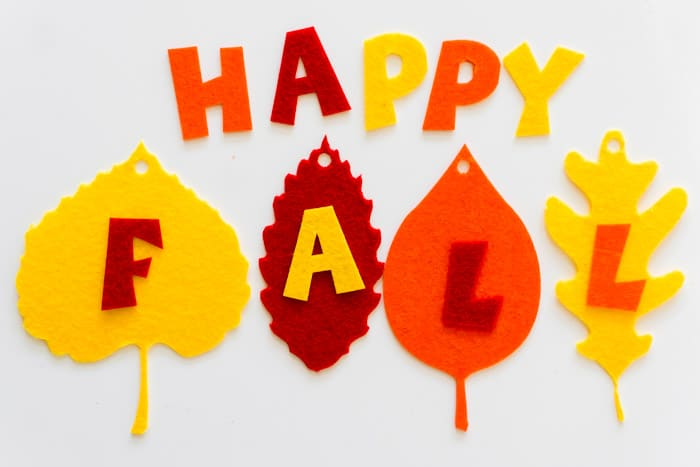A happy fall banner to hang on your mantle