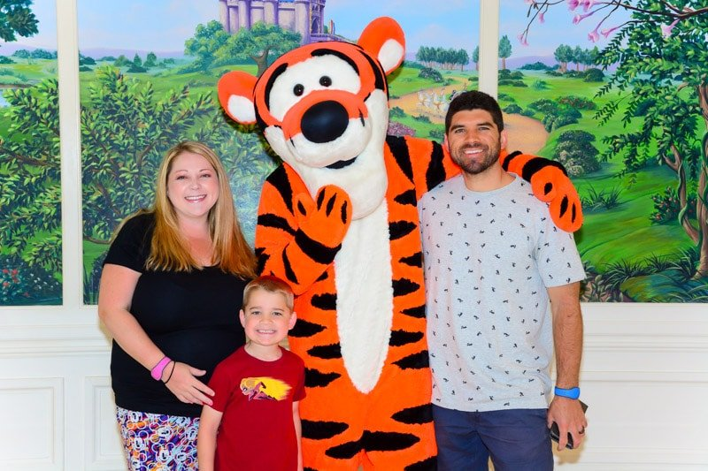 Tigger at 1900 Park Fare Disney character dining meal
