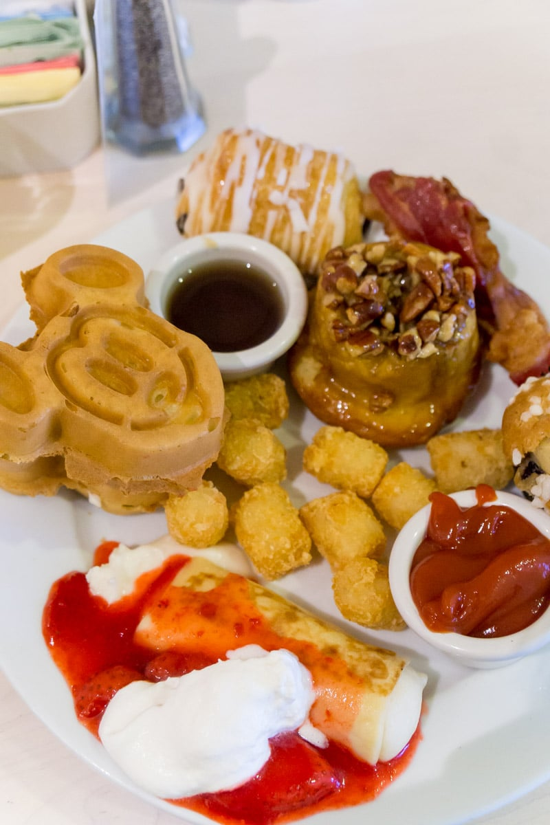 The Ultimate Guide to Disney Character Dining at Walt ...