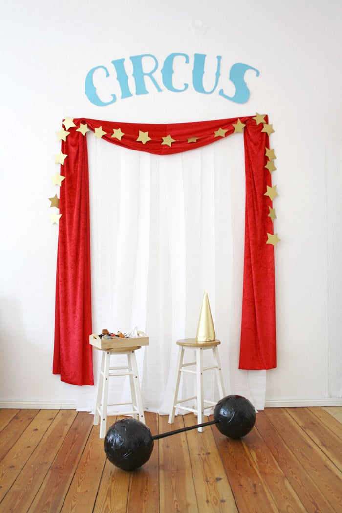 A circus photo booth at a circus party